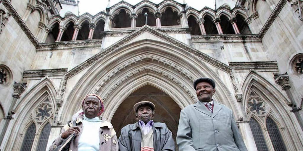 Naomi Nzyula, Paulo Muoka Nzili and Wambuga Wa Nyingi outside the High Court in 2012, via The Independent.
