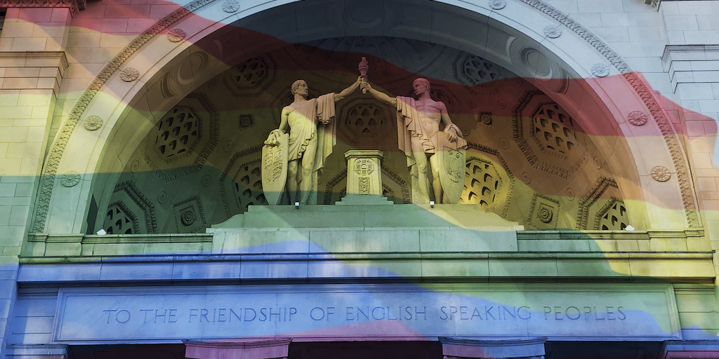 """""""To the friendship of English speaking peoples"""": North entrance of Bush House with statues  by American artist Malvina Hoffman."""