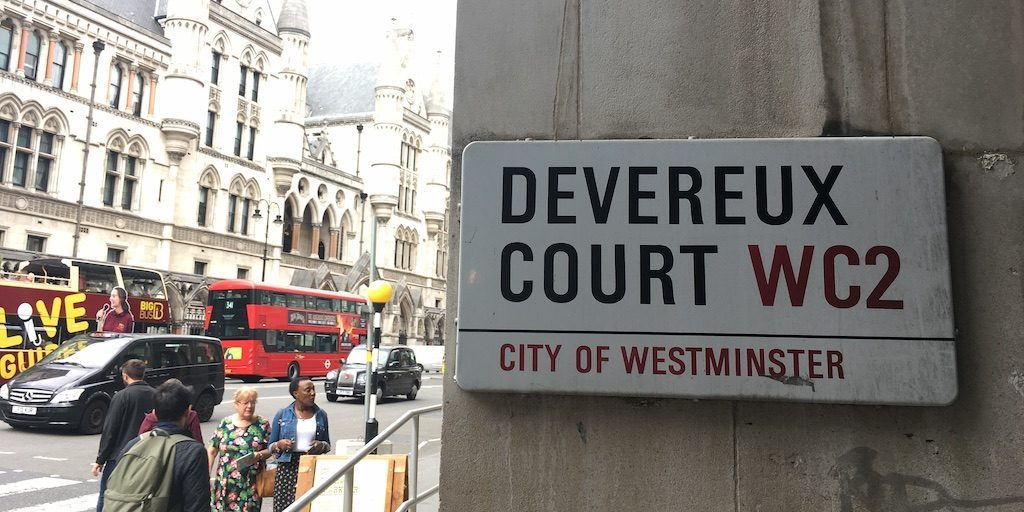 Devereux Court Sign